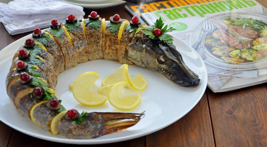 Щука фаршированная – кулинарный рецепт