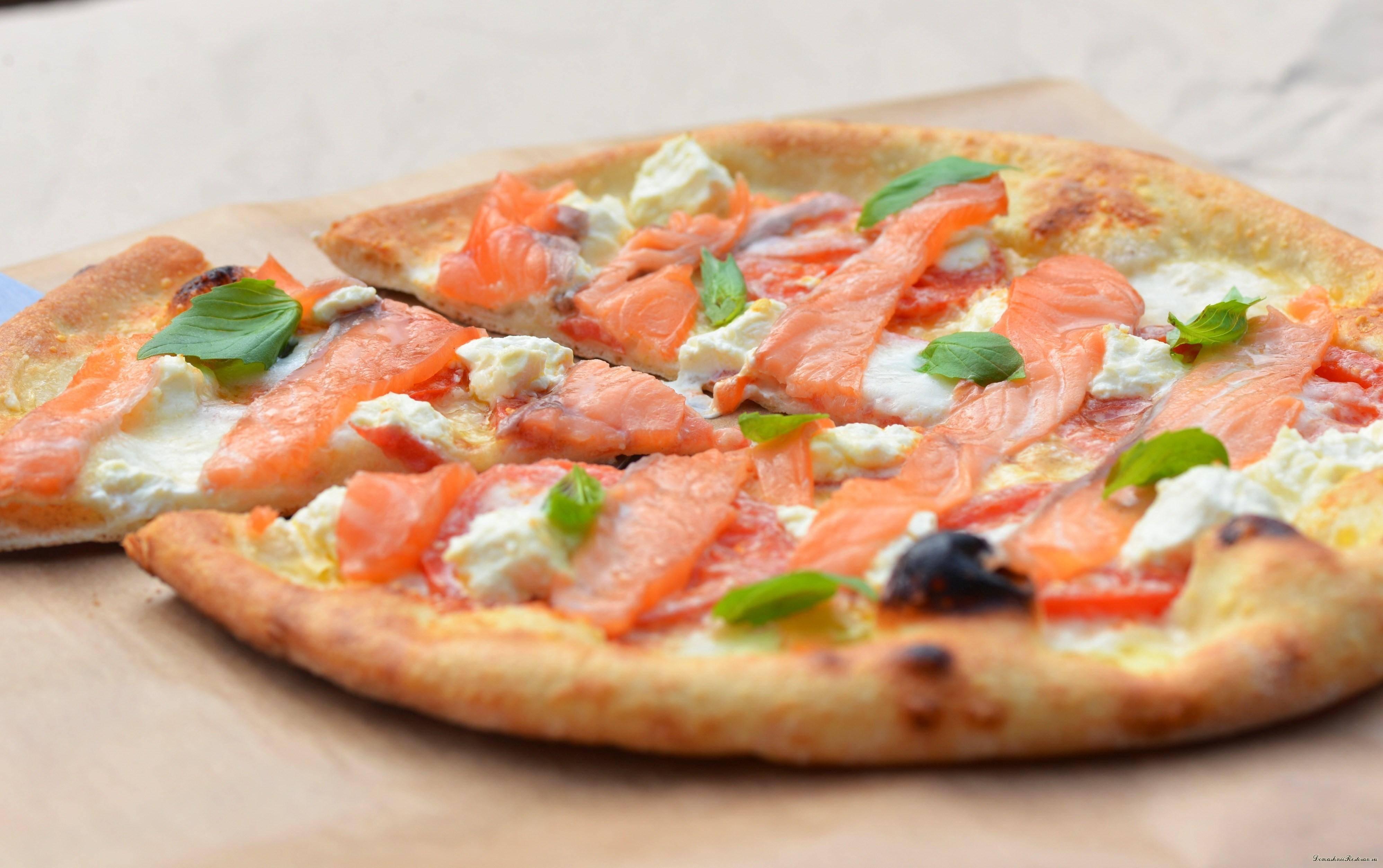 Лучшая пицца с лососем и начинкой из сыра. пошаговый рецепт сергея джуренко