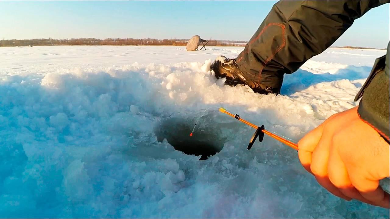 Особенности и секреты зимней ловли карася