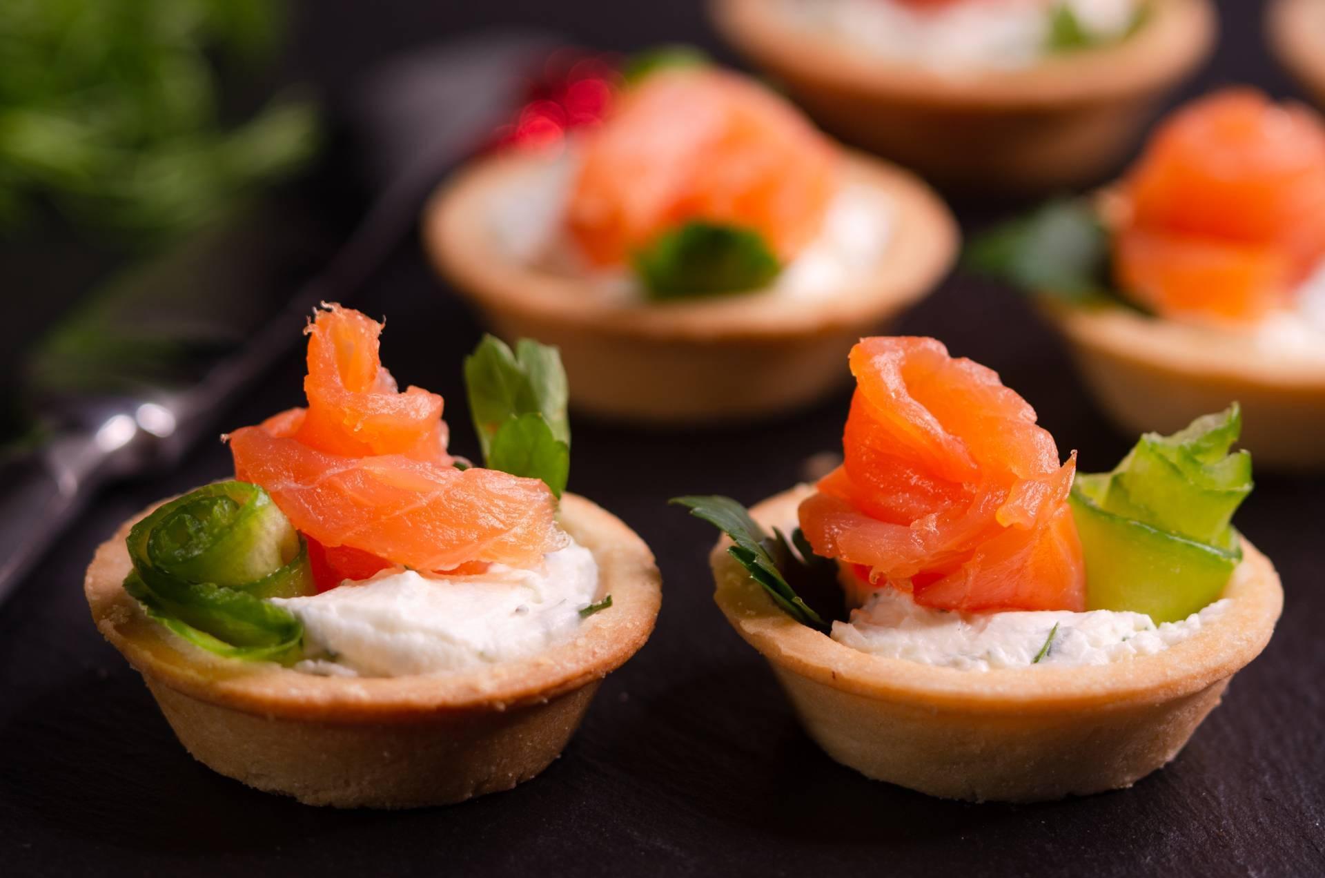 Тарталетки с красной рыбой: рецепты с фото, как приготовить с творожным сыром