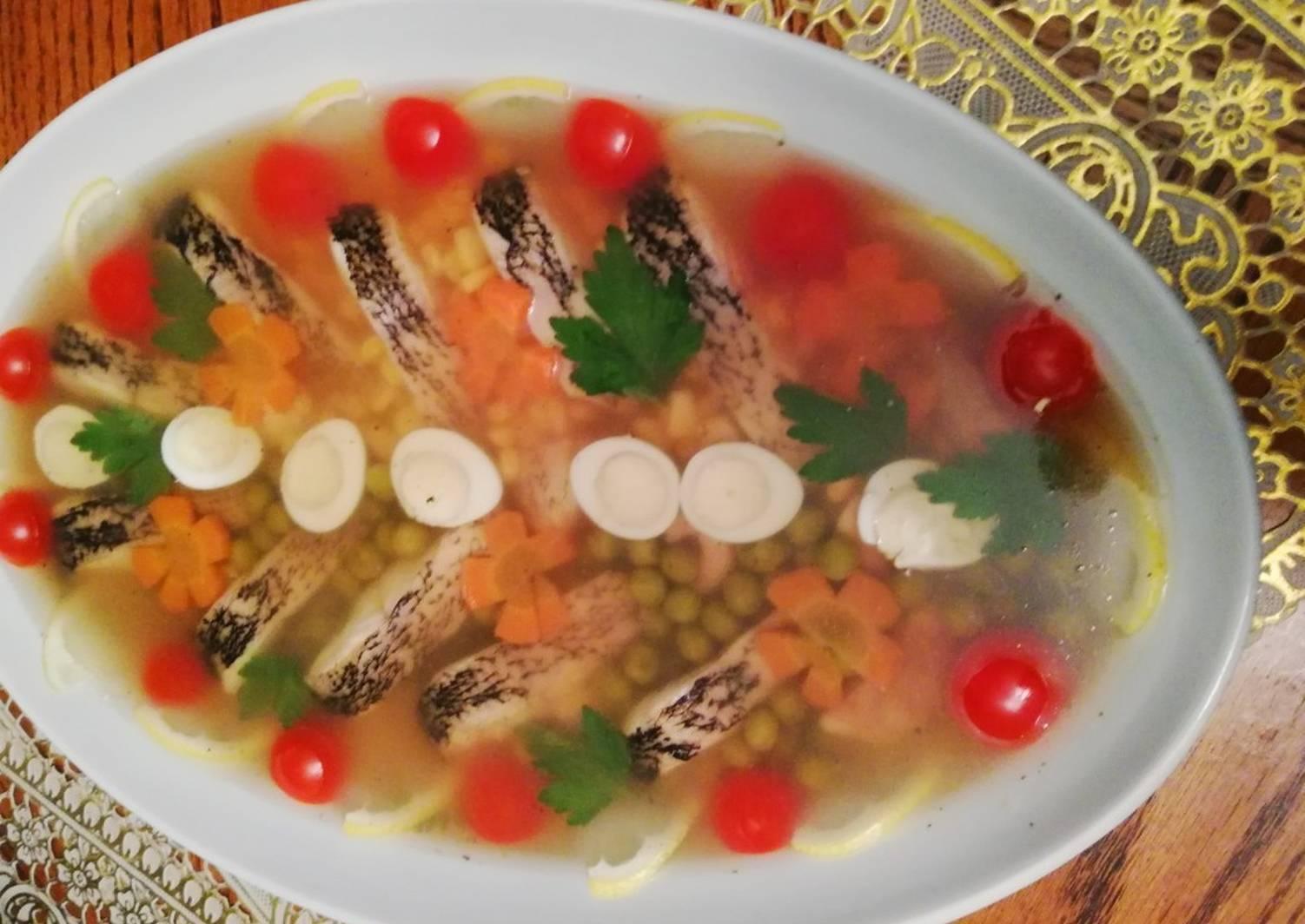 Заливное из фаршированной щуки – кулинарный рецепт