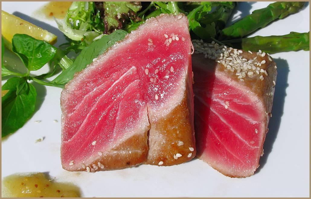 Как вкусно приготовить стейк из тунца: 8 крутых рецептов