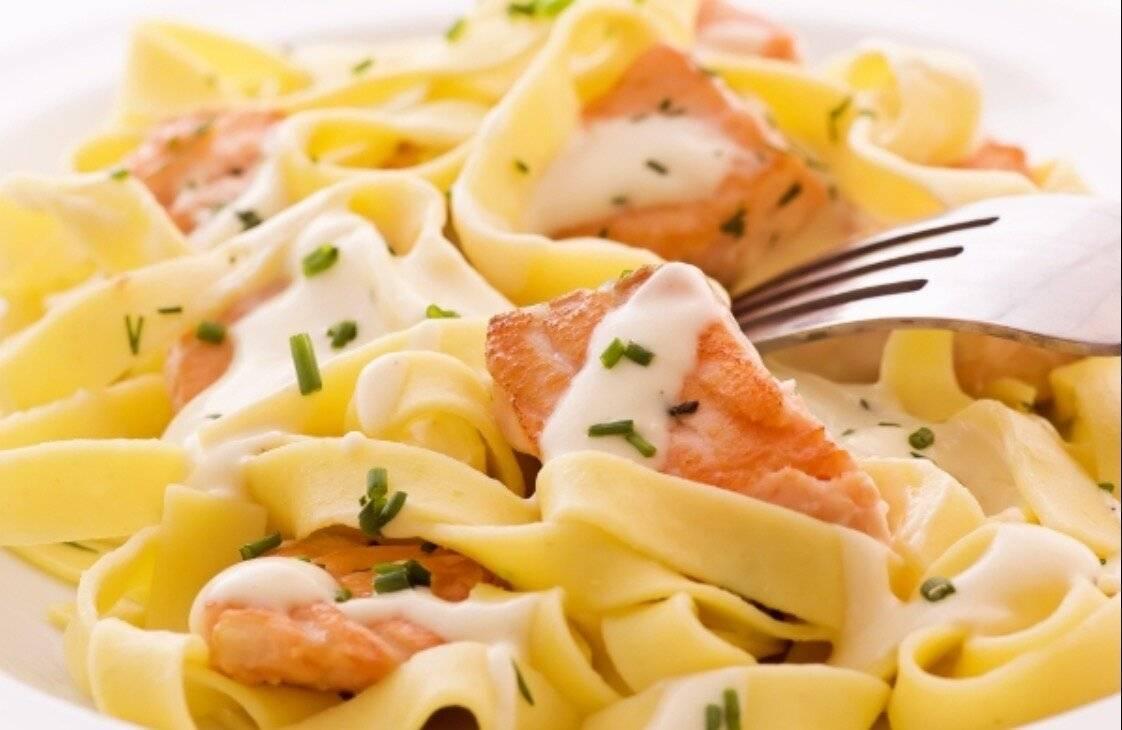 Фетучини с лососем: секреты приготовления вкуснейшего итальянского блюда