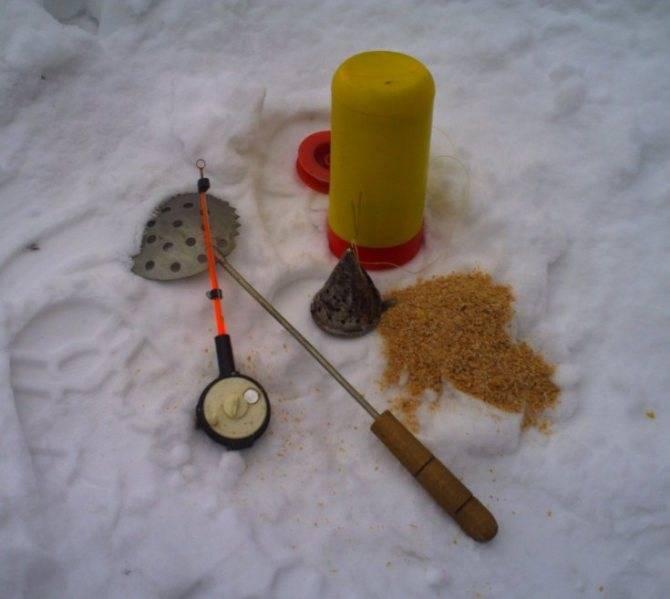 Зимняя удочка для блеснения - советы начинающим