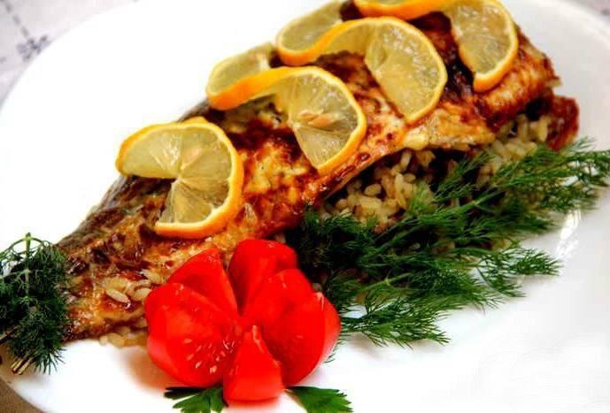 Рыба с овощами запеченная в духовке - рецепты с фото