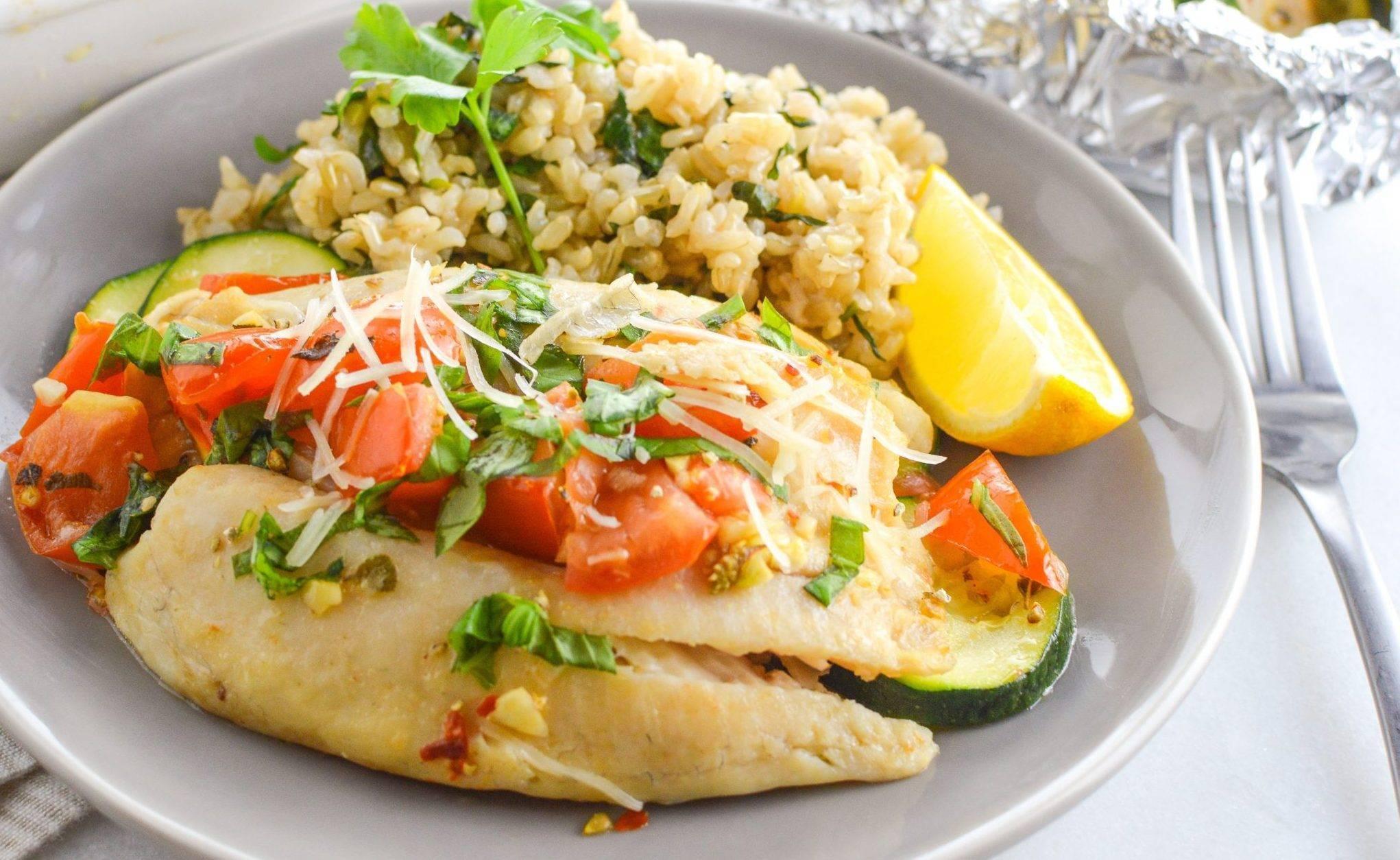 Рыба с рисом в духовке по простому пошаговому рецепту с фото