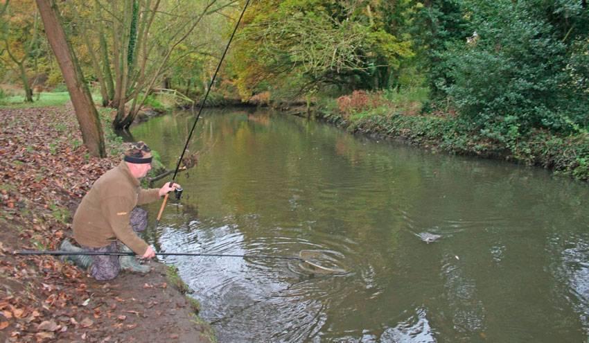 Как поймать рыбу на спиннинг — советы для начинающих рыбаков