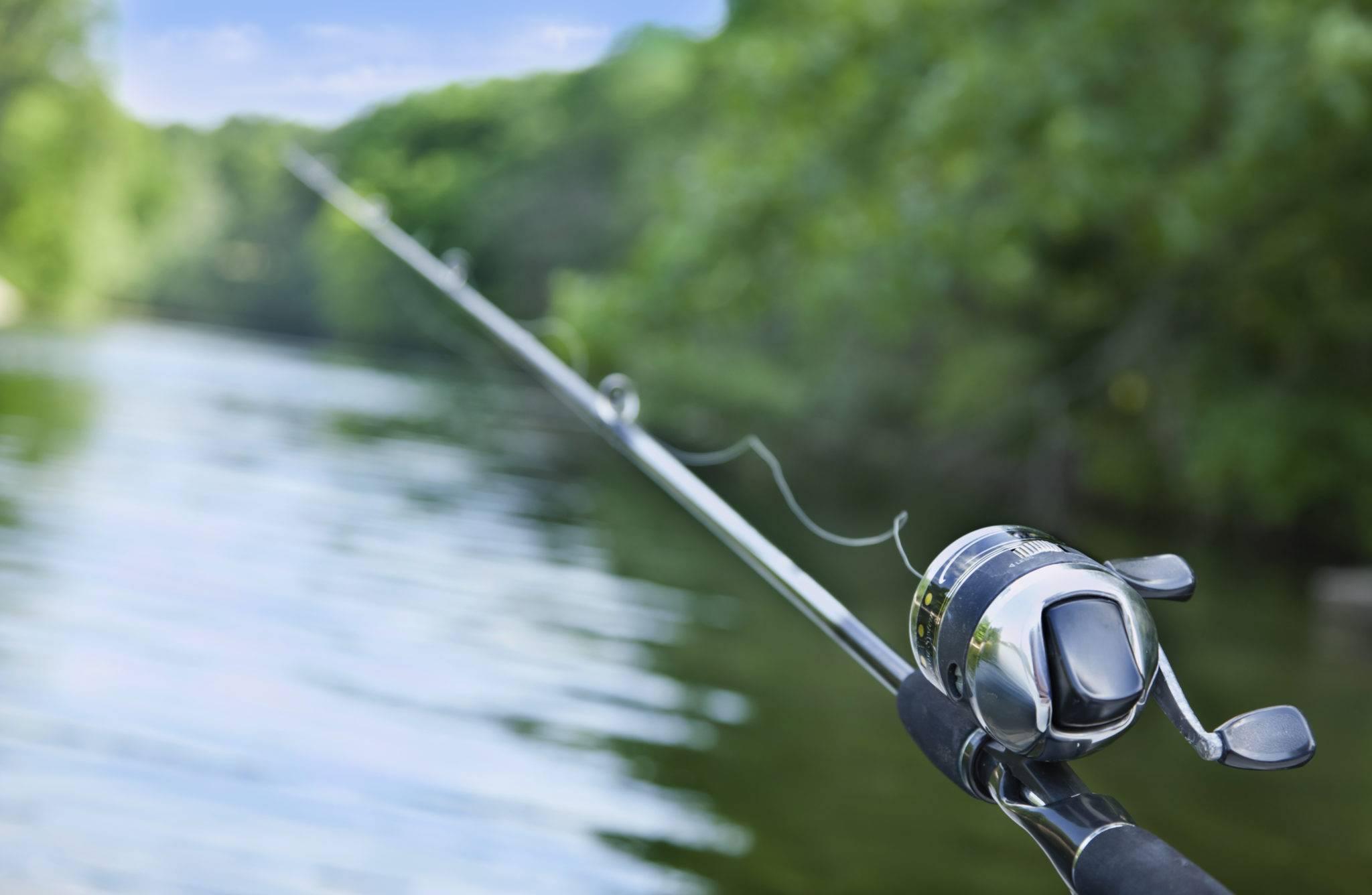 Морская рыбалка (28 фото): снасти для ловли рыбы на море с берега, в открытом балтийском и аральском море. как рыбачить на крючок?