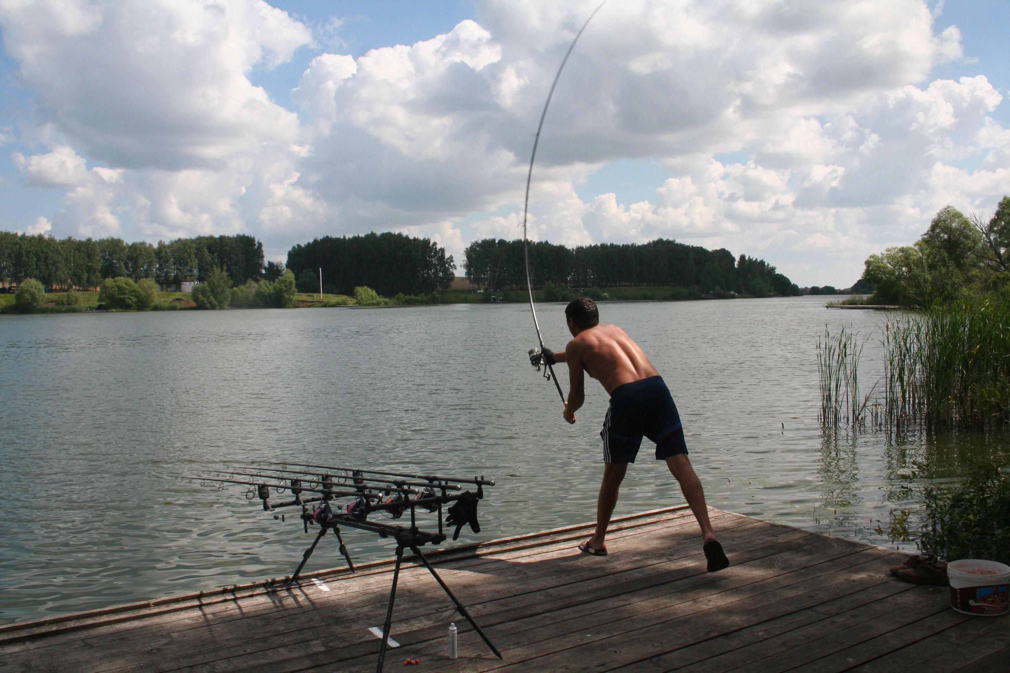 Рыбалка в москве и подмосковье: лучшие места на карте топ-10