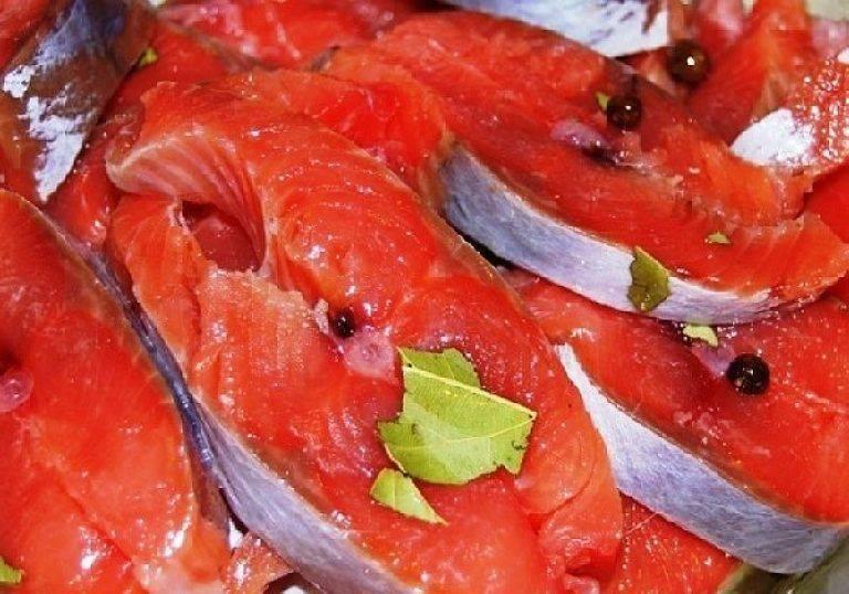Как быстро разморозить рыбу и сделать это правильно в домашних условиях без микроволновки + фото и видео