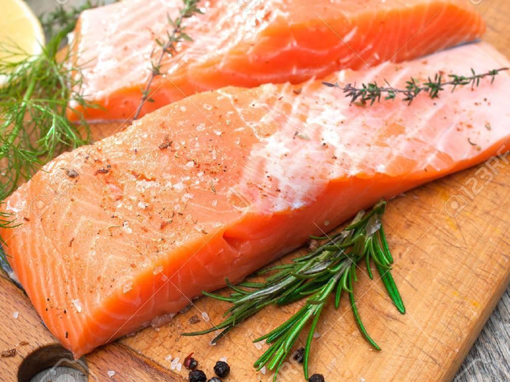 Горбуша: польза и вред для здоровья, похудения, калорийность