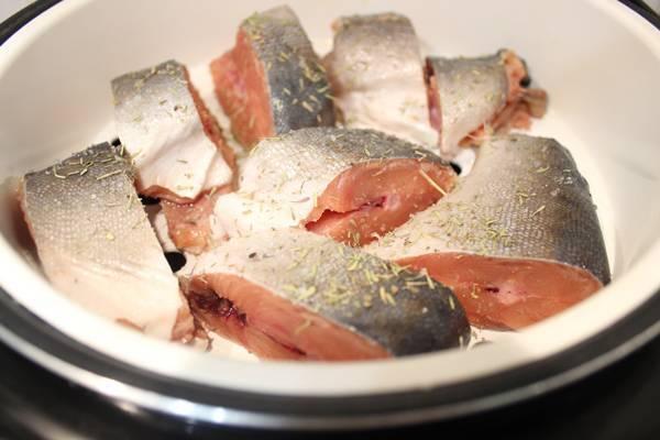 Как приготовить рыбу на пару в мультиварке - 8 пошаговых фото в рецепте
