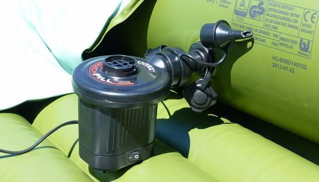 Какой насос для надувной лодки пвх лучше: ножной, ручной или электрический