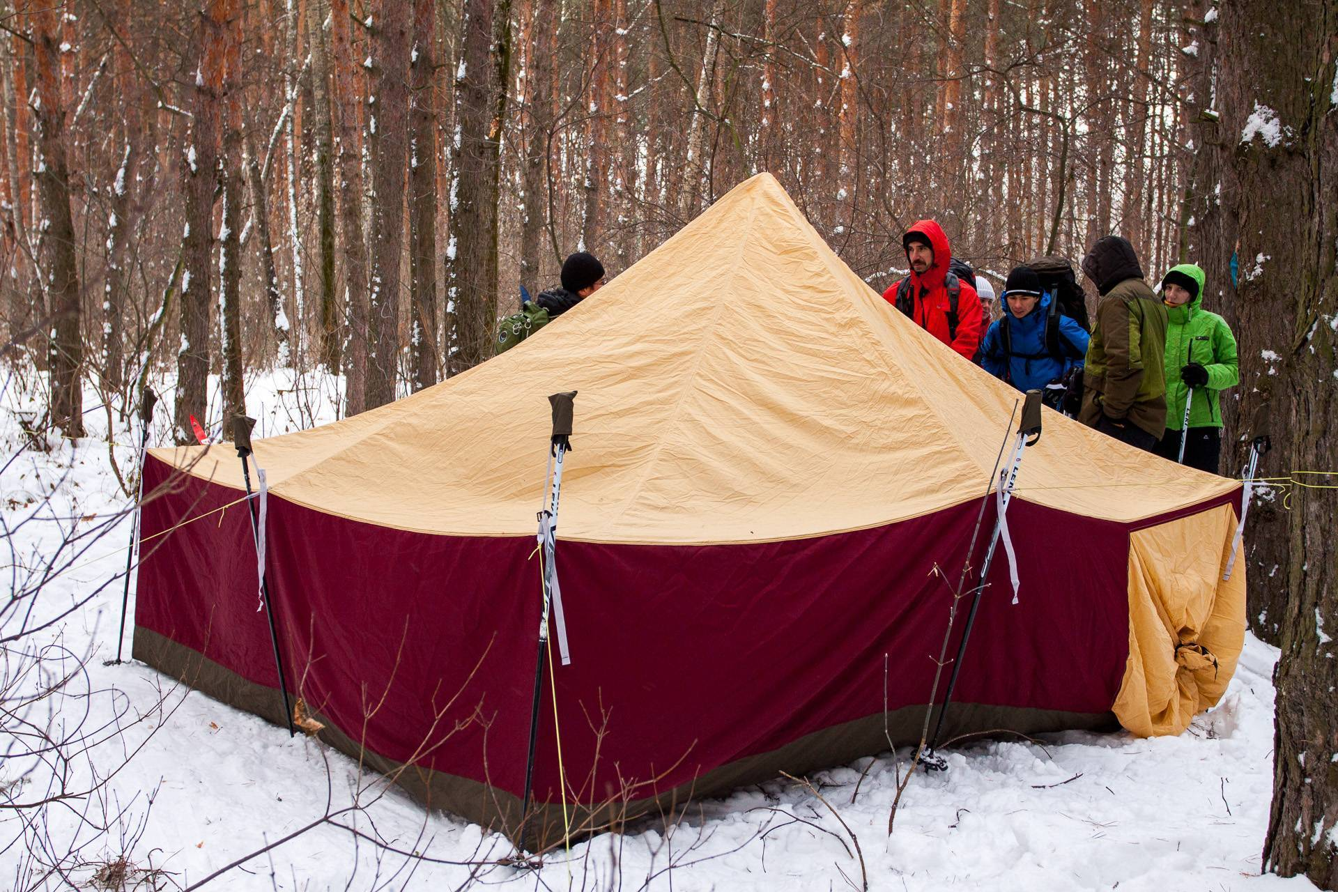 Способы нагрева воздуха в палатке, заводские модели и использование подручных средств