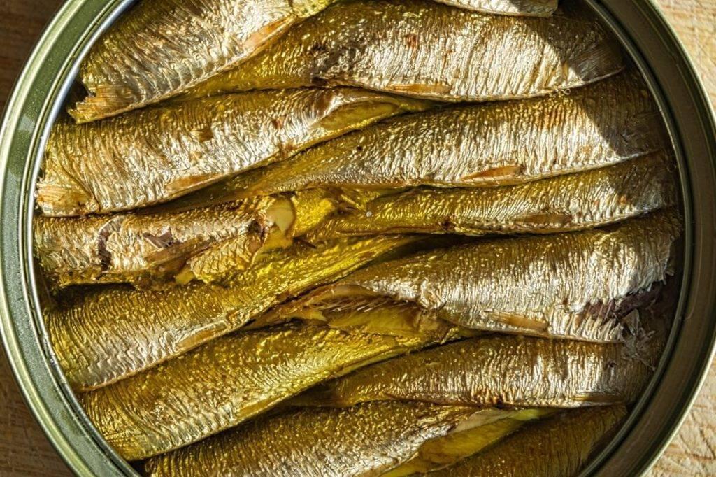 Готовим шпроты из речной рыбы дома
