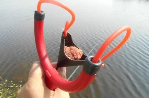 Рогатка для прикормки своими руками: как сделать самодельную рогатку для прикорма рыбы
