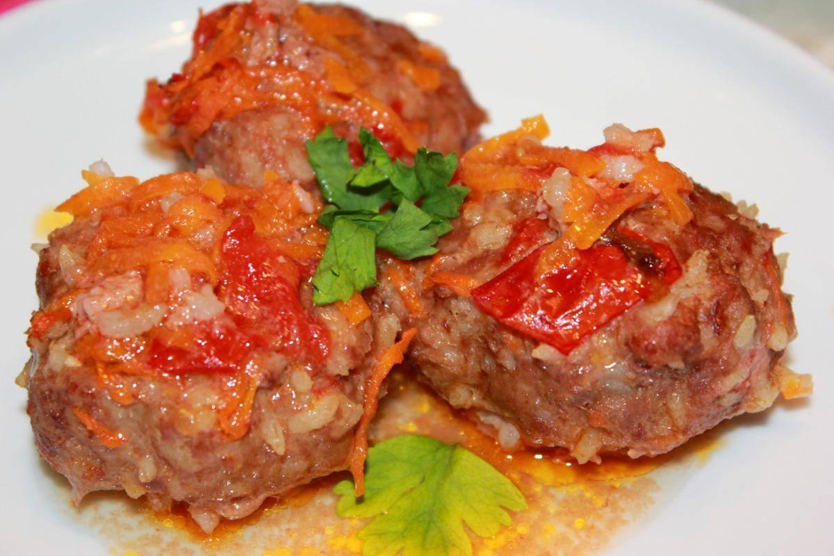 Рыбные тефтели в томатно-сливочной подливке – кулинарный рецепт