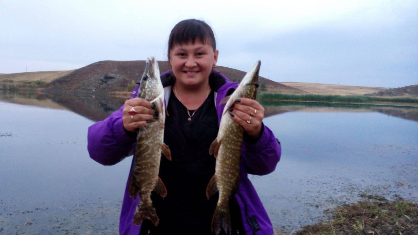 Рыбалка в октябре на малых реках: отличия в начале и конце октября