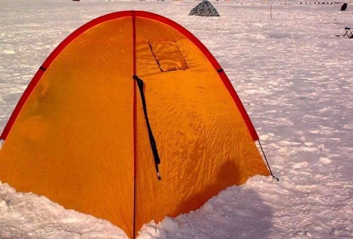 Как выбрать палатку для зимней рыбалки: разновидности и особенности