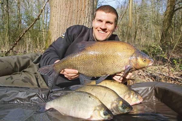 Ловля спиннингом на реке: подбор снасти, техника и тактика ловли