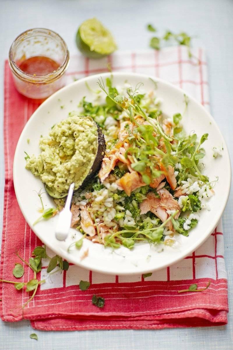 Салат с семгой и авокадо / рыбные салаты / tvcook: пошаговые рецепты с фото
