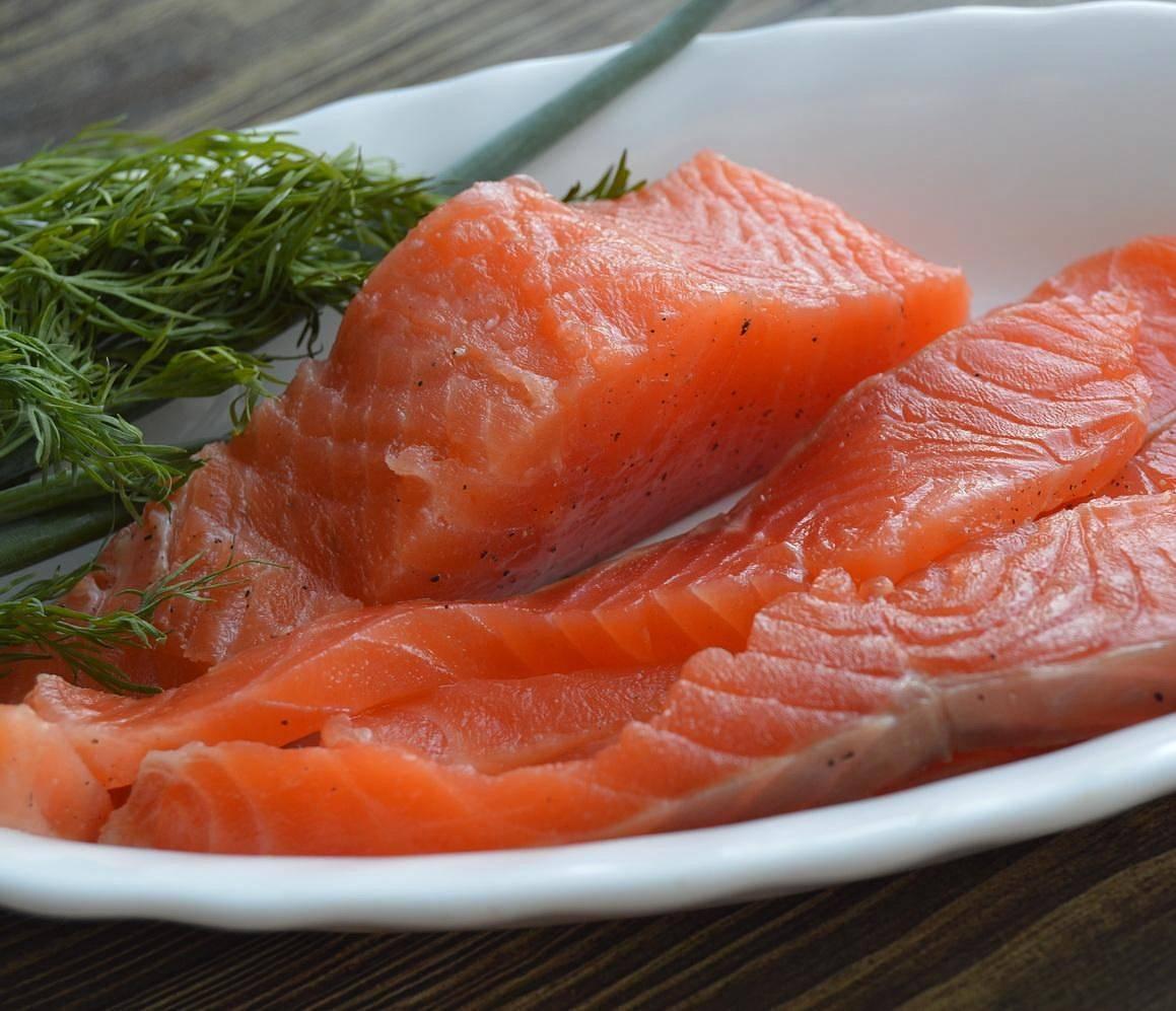 Как правильно и быстро пожарить замороженную рыбу, филе рыбы на сковороде: пошаговый рецепт, кулинарные советы. можно ли жарить замороженную рыбу, не размораживая? — женские советы