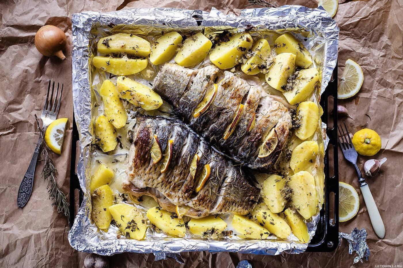 Сазан в духовке: как приготовить вкусно