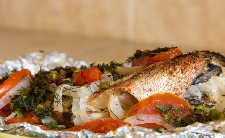 Морской окунь в духовке, запеченный в фольге: вкусные рецепты приготовления