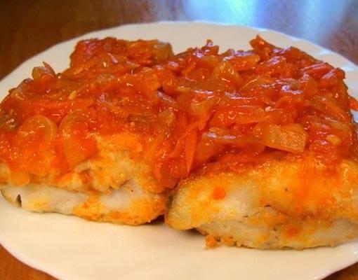 Вкусный минтай под маринадом из моркови и лука – классический рецепт с фото