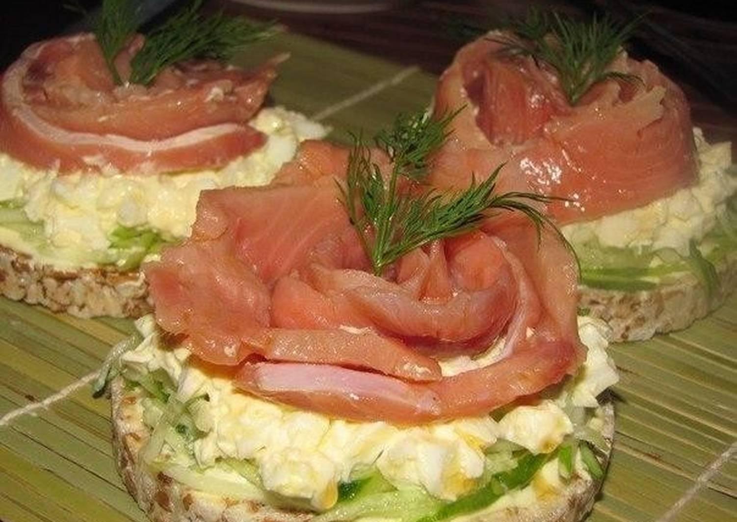 Бутерброды на праздничный стол — 20 простых и вкусных рецептов