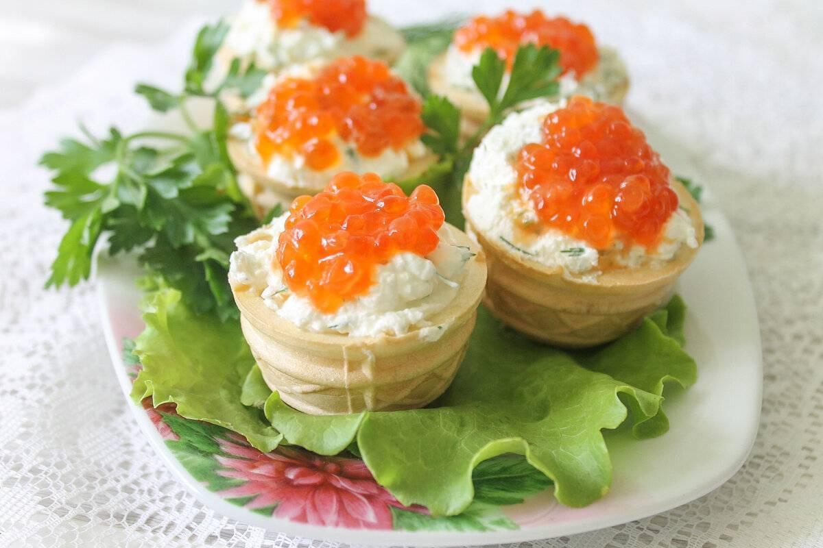 Тарталетки с красной рыбой: рецепты с фото на праздничный стол, вкусные и красивые