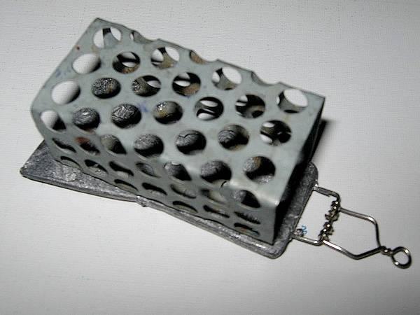 Как выбрать кормушки для течения на фидер или сделать самому как выбрать кормушки для течения на фидер или сделать самому