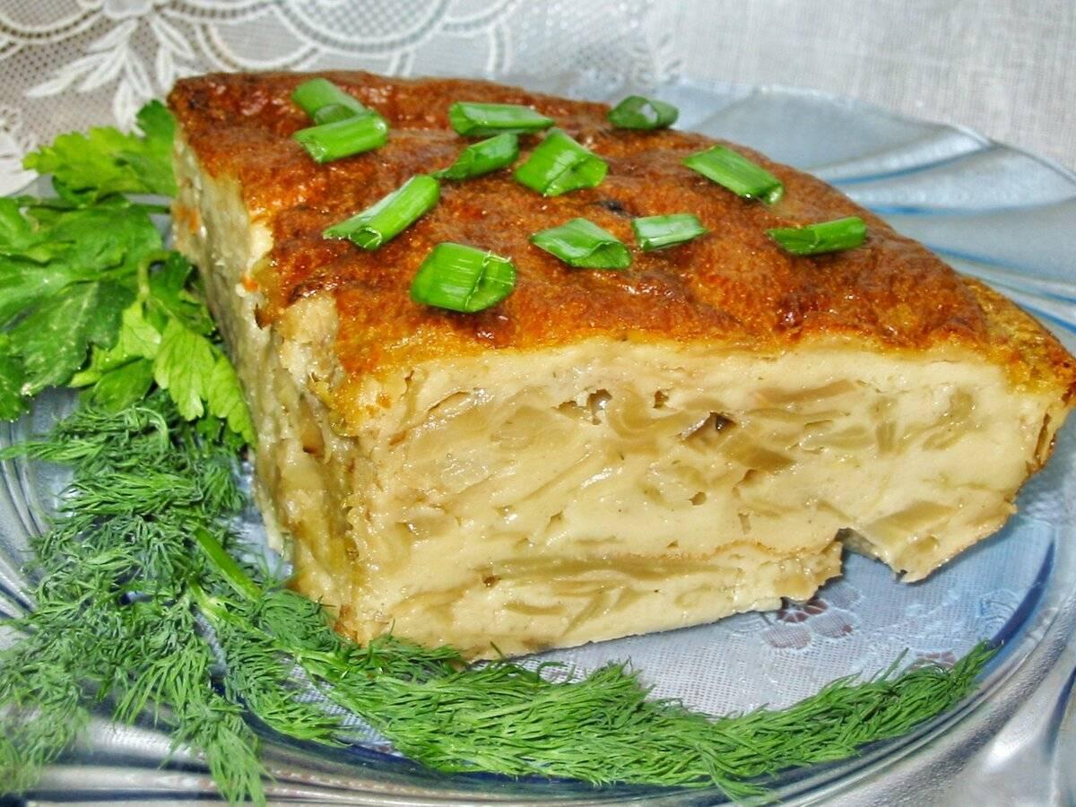 Заливной пирог на кефире с рыбной консервой