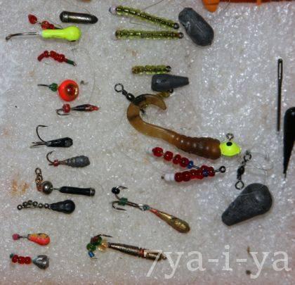 Рыбалка летом на мормышку: разновидности приманки и техника ловли