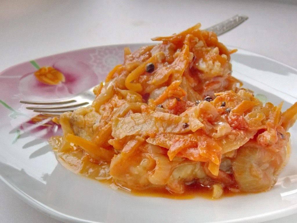 Минтай под маринадом из морковки и лука