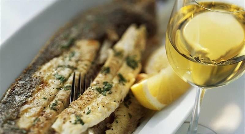 Вино к рыбе: какой напиток лучше подходит к красной и другим разновидностям рыбы