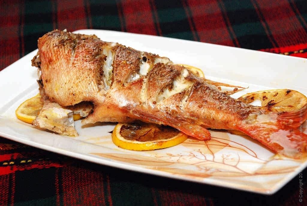 Как приготовить рыбу в духовке рецепт с фото пошагово