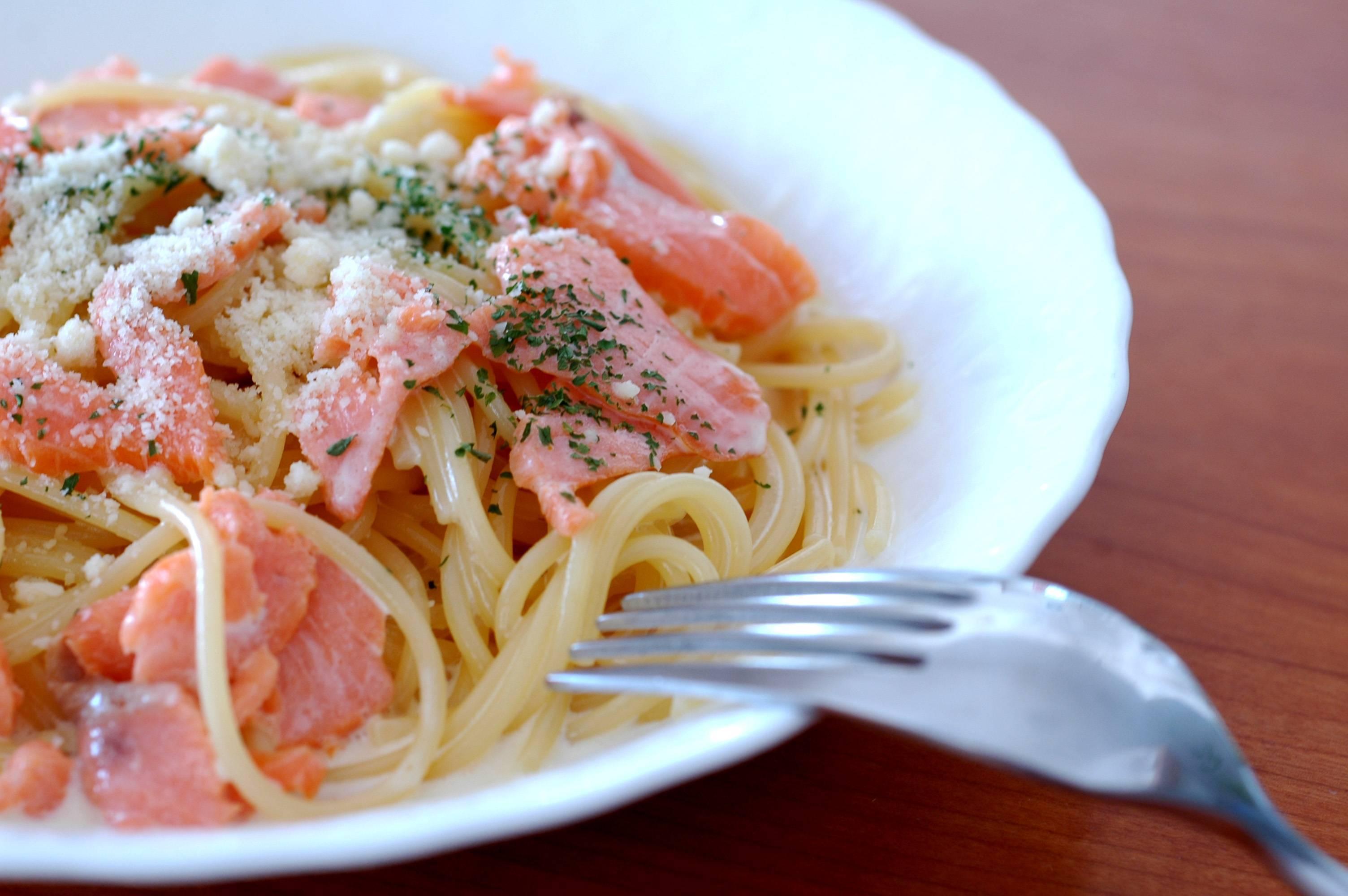 Паста с лососем в сливочном соусе: интересные рецепты вкуснейшего блюда