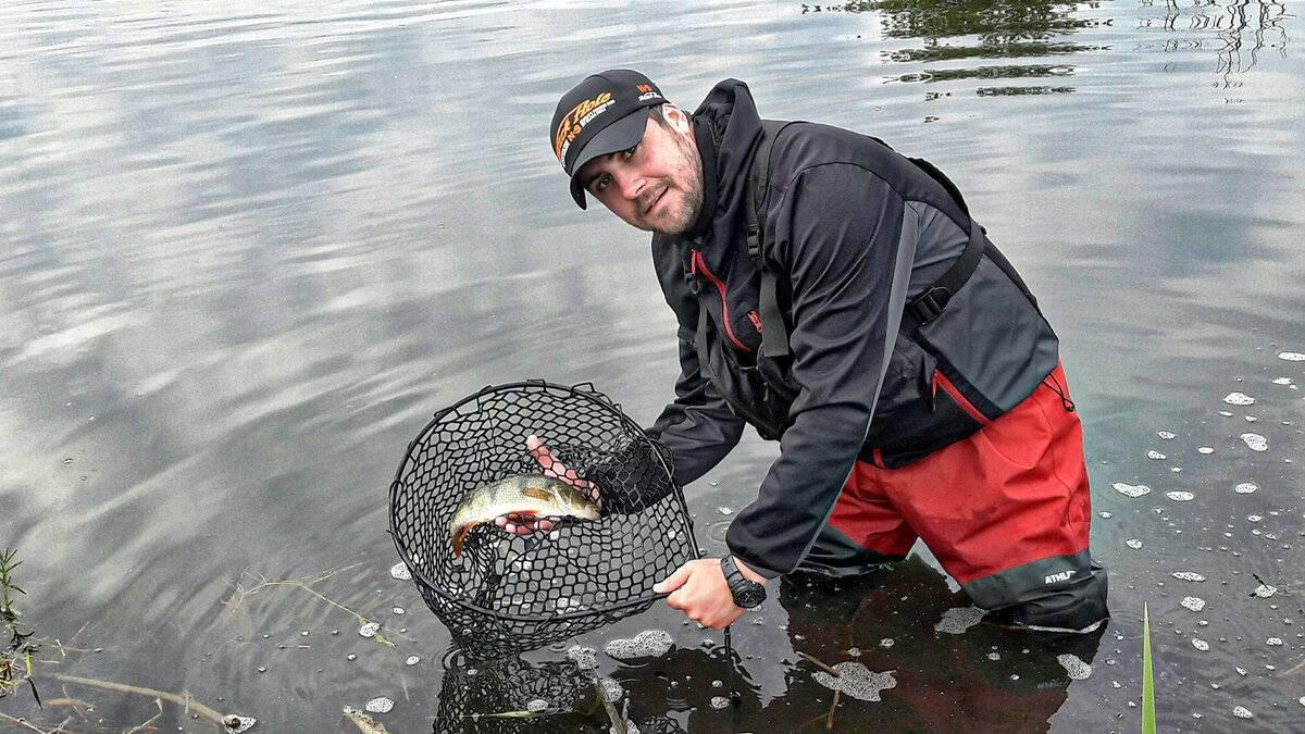 Неопреновые вейдерсы: забродники из неопрена с сапогами для рыбалки и другие виды. как осуществляется замена носков на вейдерсах?