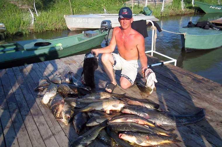 Платная рыбалка и рыболовные туры в астраханской области
