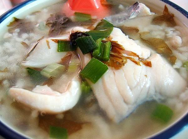 Уха из минтая (с рисом, с пшеном): пошаговые рецепты с фото