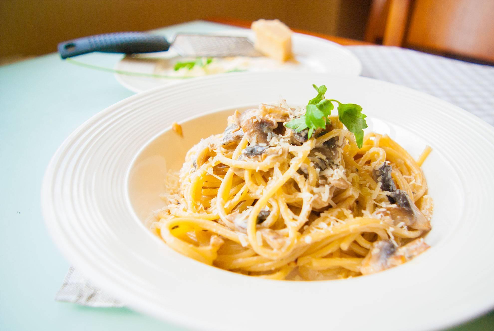 Фетучини с морепродуктами: все рецепты приготовления, включая и блюдо в сливочном соусе