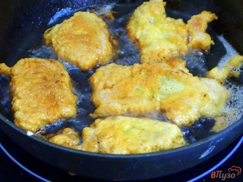 Как жарить рыбу на сковороде в муке