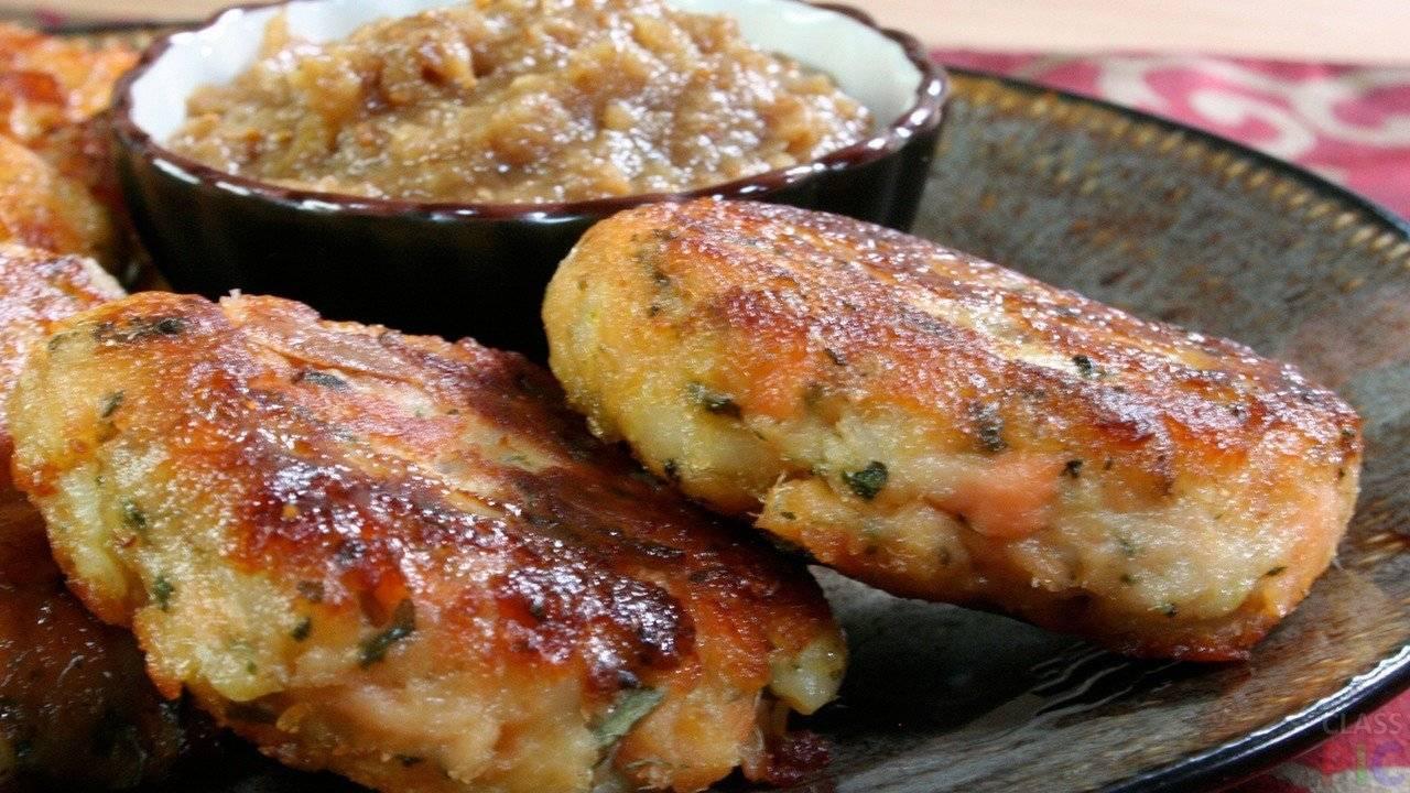 Котлеты из фарша лосося с зеленым луком: рецепт с фото