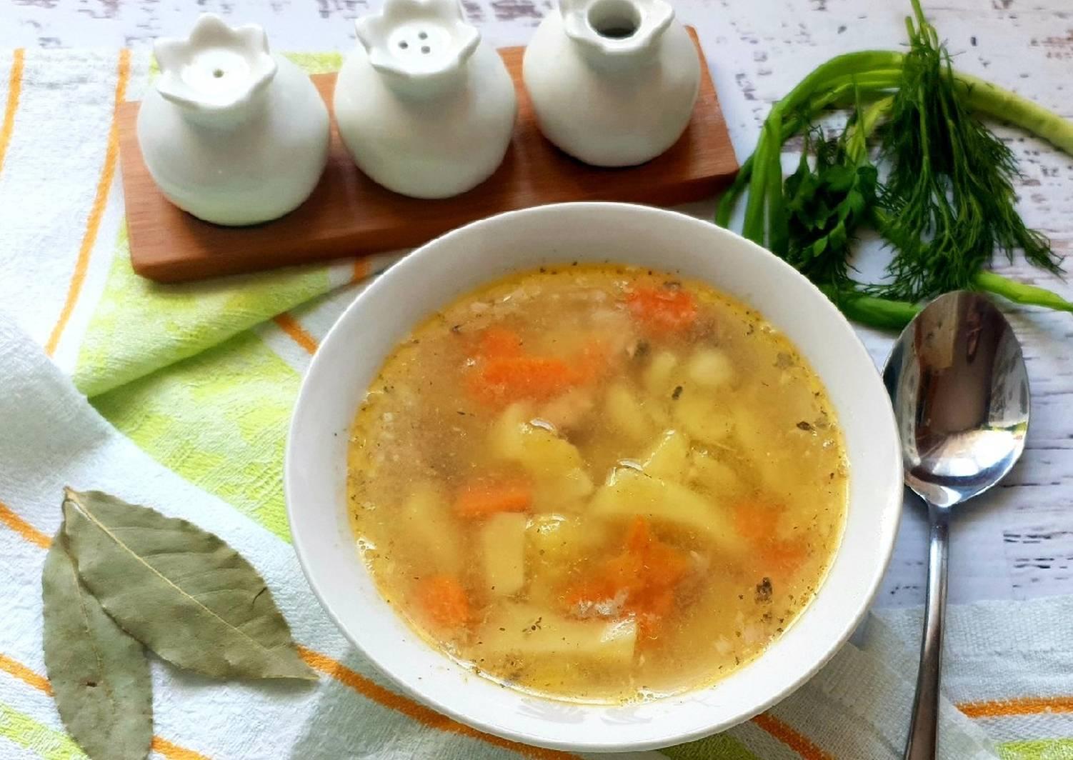 Рыбный суп из горбуши, трески, семги, минтая, форели, сайры и консервы