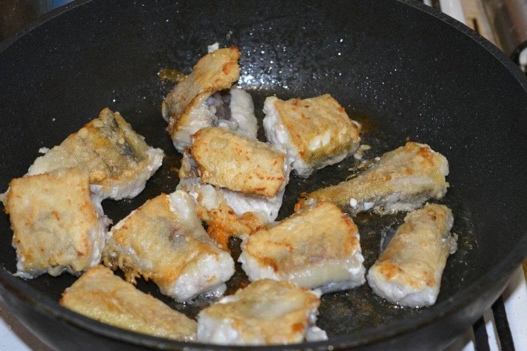 Минтай в кляре - 8 рецептов приготовления на сковороде с пошаговыми фото