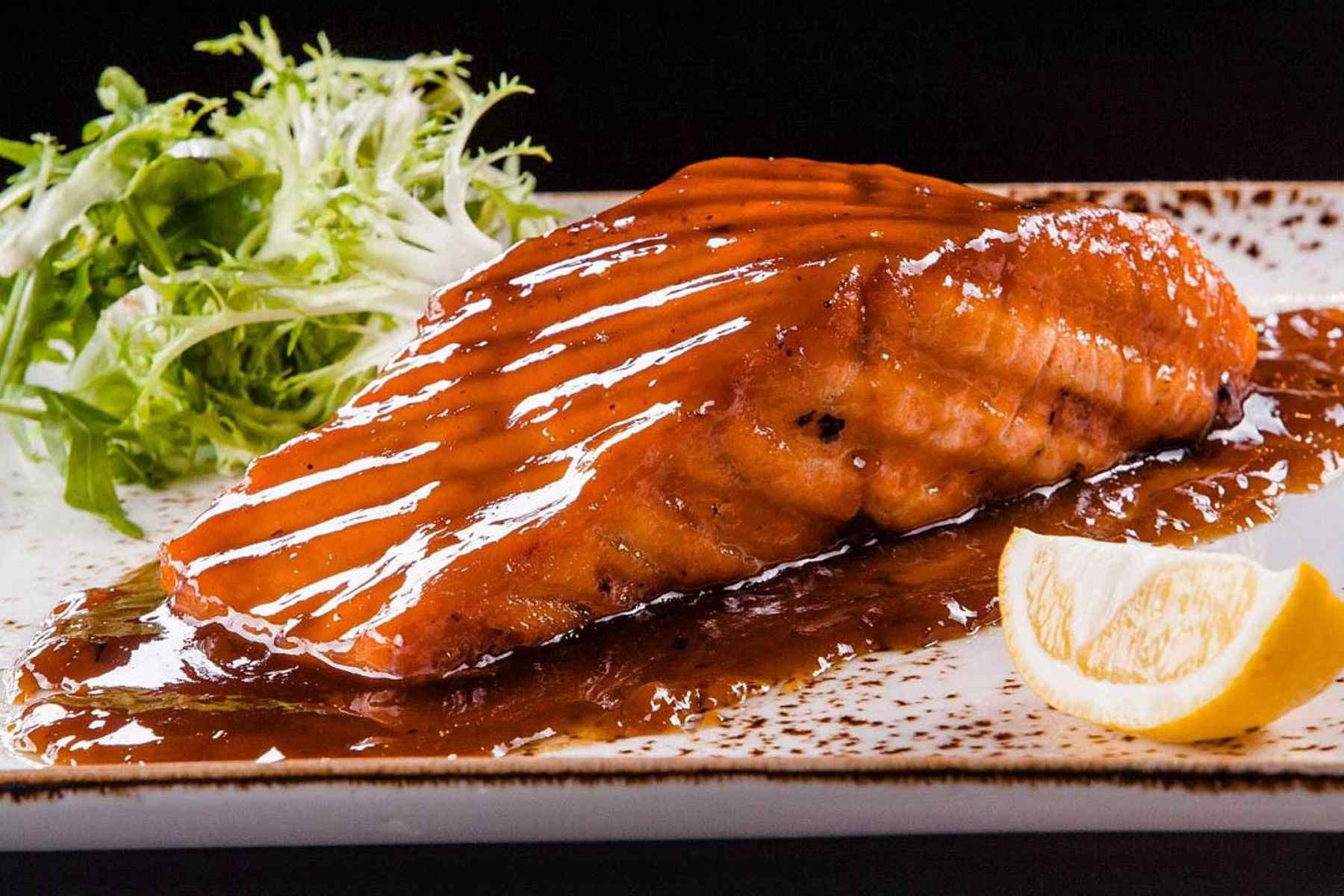 Барбекю из лосося в соусе терияки