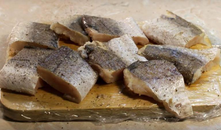 Как пожарить рыбу на сковороде с мукой: вкусные рецепты