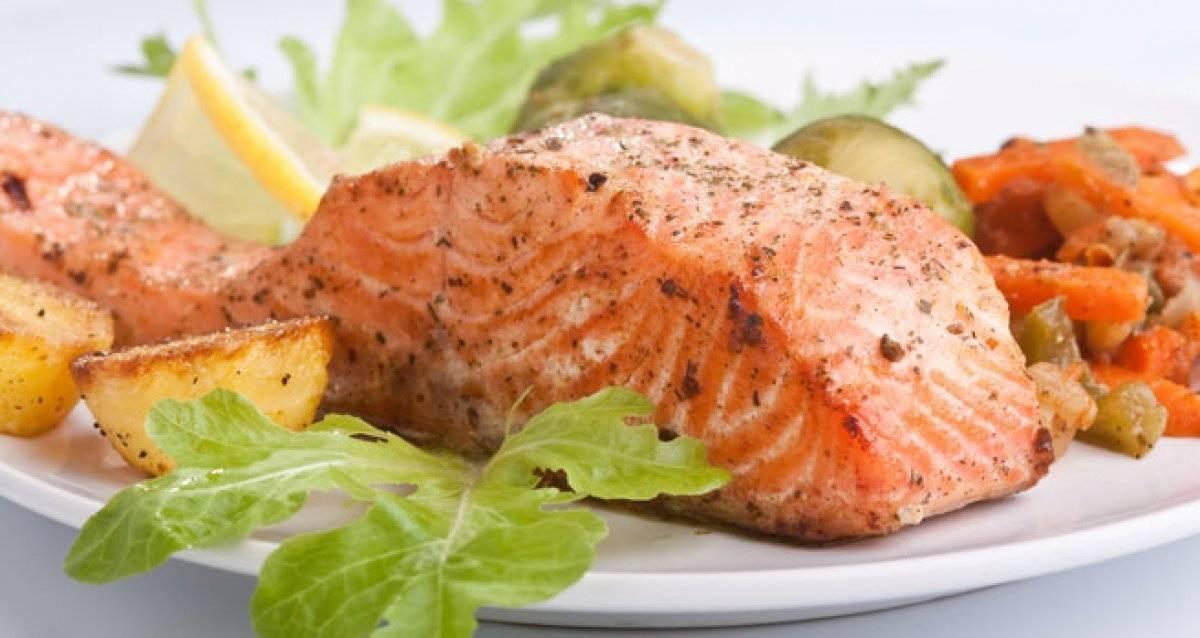 Рыба по–гречески под маринадом из моркови и лука — классический рецепт