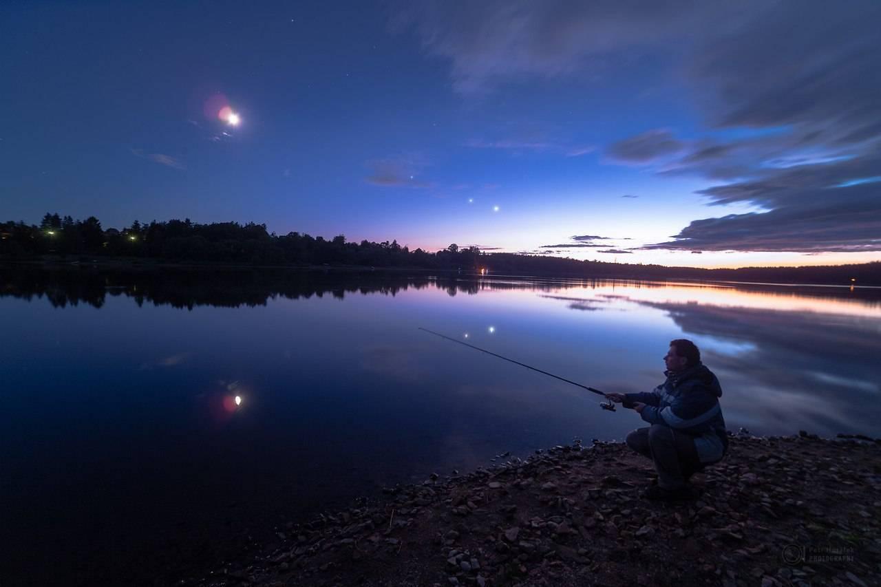 Как ловить судака ночью?